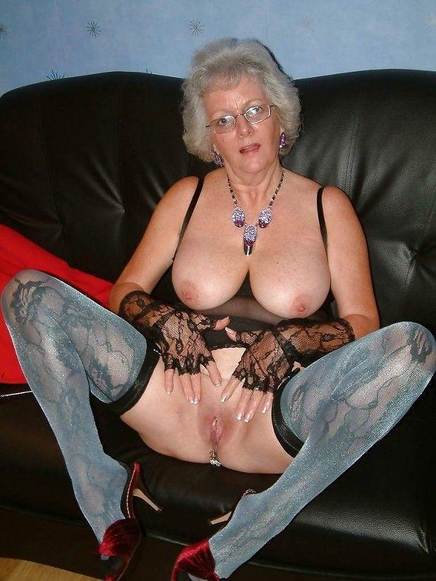 Maturité plus vieille mamie panty tgp